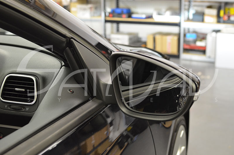 vw power folding mirrors satnav systems